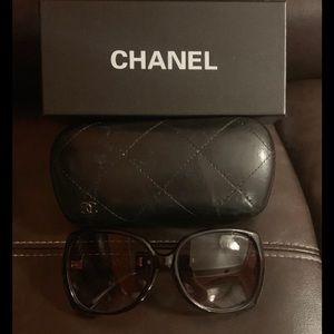 Oversized Sunglasses 😎